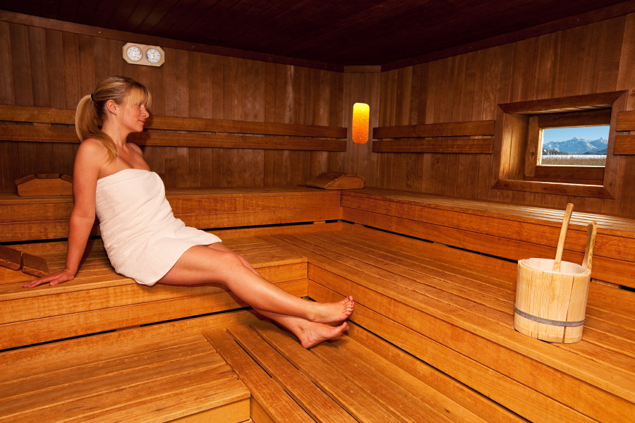 Sauna with access to the lake at the Aparthotel Seespitz