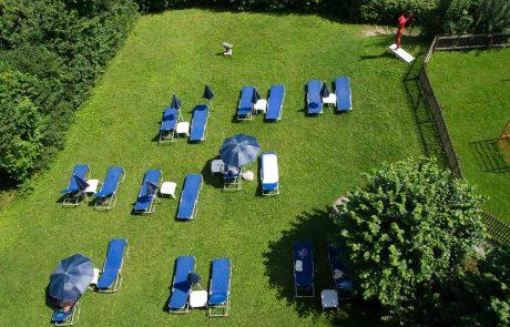 Hotel-Liegewiese am Appartementhotel Seespitz
