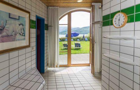 Zugang von der Sauna zur Liegewiese