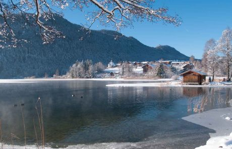Winter am Appartementhotel Seespitz Füssen-Weissensee